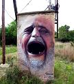 Arte a braccetto col divertimento: foto street art con commento umoristico