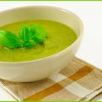 Il basilico: varietà, conservazione e ricetta della vellutata
