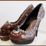 Scarpe al cioccolato, pralinate e con panna vendesi