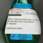 Fantasioso papà acquista in farmacia lo spray anti mostro per la figlia!