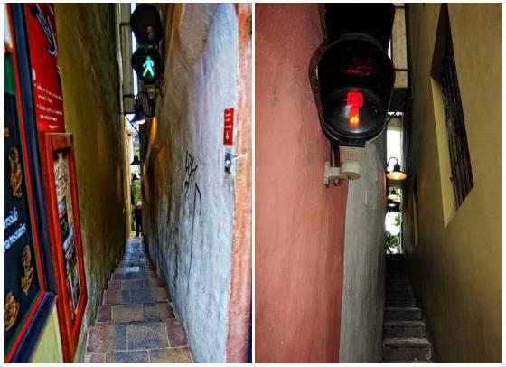 Vinarna Certovka, la via strettissima di Praga... col semaforo!