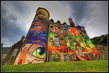 Kelburn Castle: il castello scozzese coi graffiti
