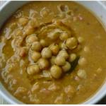 Zuppa di ceci e castagne, invitante ricetta vegetariana