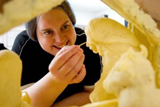 Prudence Staite e la creazione del presepe di formaggio
