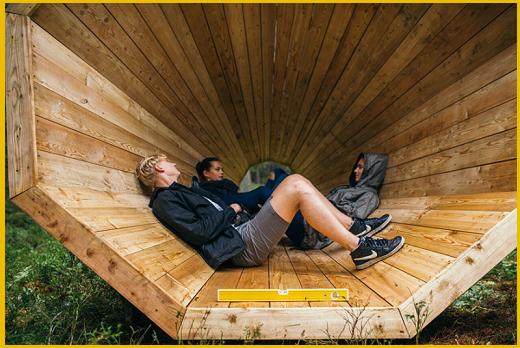 Usufruibili anche come zona relax, i super-amplificatori sono accessibili gratuitamente a tutti gli escursionisti che si trovano fra i boschi dell'Estonia.