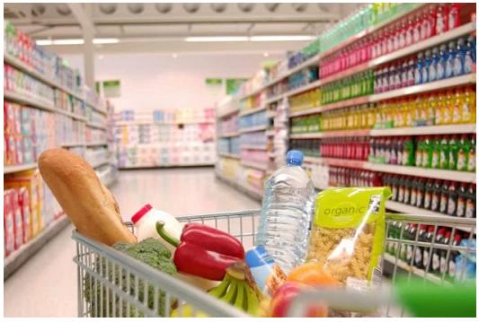 Spesa senza soldi per poveri: a Napoli il supermercato dove si paga col volontariato