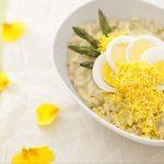 Risotto mimosa, primo piatto celebrativo della Festa della donna