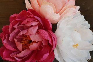 Come creare fiori di carta semplici e veloci
