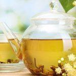 Camomilla fredda e miele di tiglio contro l'insonnia e il caldo