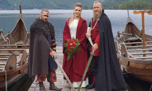 Matrimonio vichingo in Norvegia per una giovane coppia