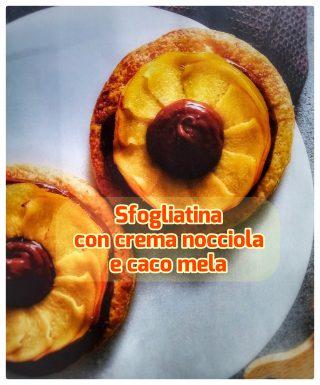 Sfogliatina con crema nocciola e caco mela, facilissimo e colorato dessert